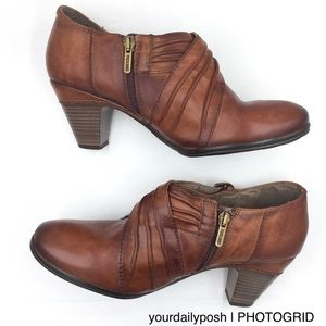PIKOLINOS Shoes - Pikolinos ruched brown leather heeled ankle bootie